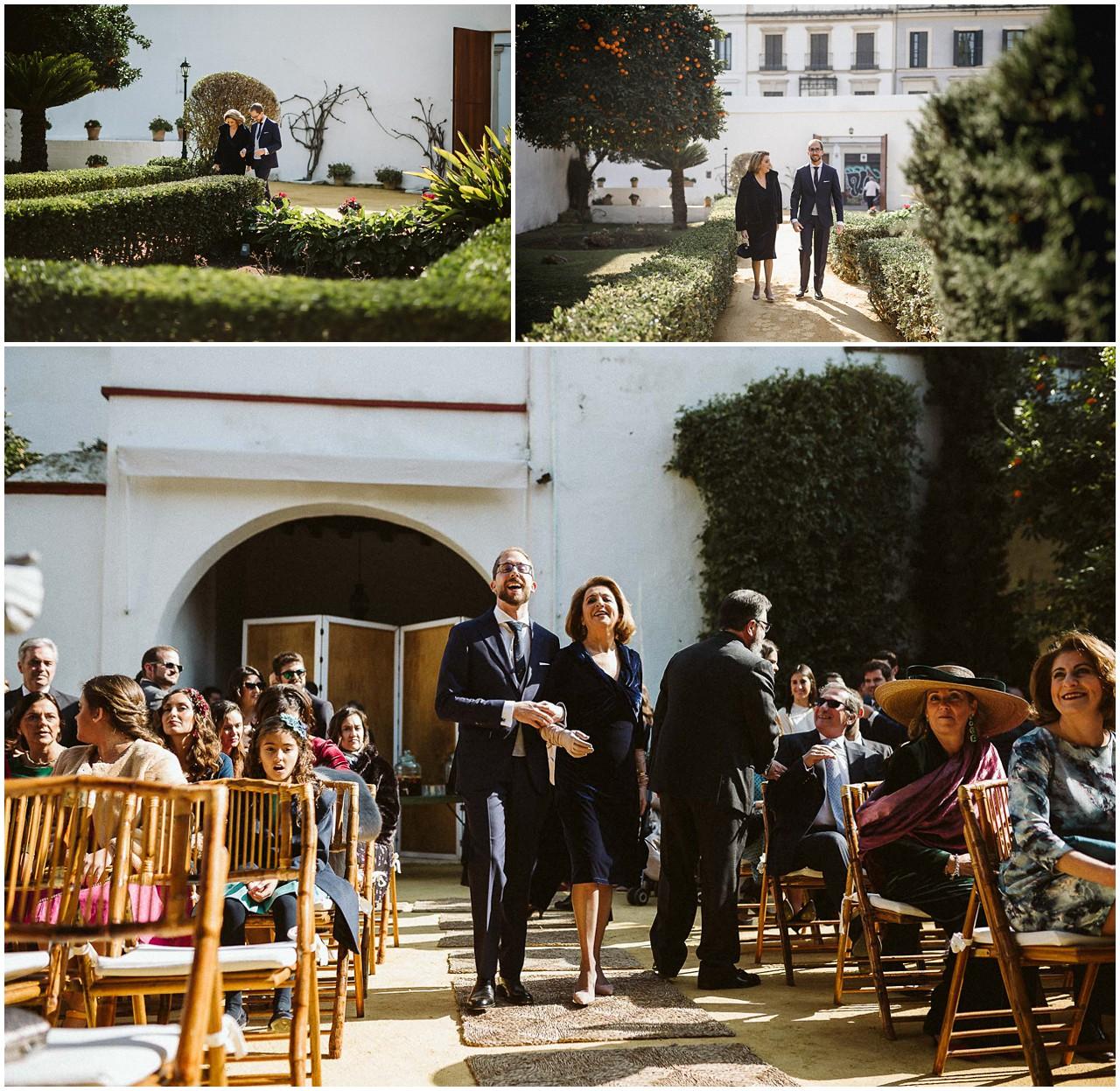El novio llega al altar de Casa Bucarelli