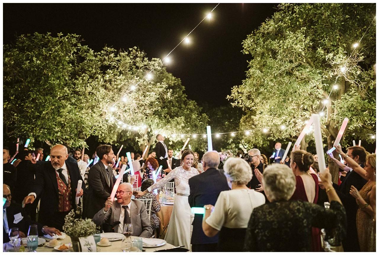 Llegan los novios al convite de catering Salvador Arias en Hacienda Majaloba