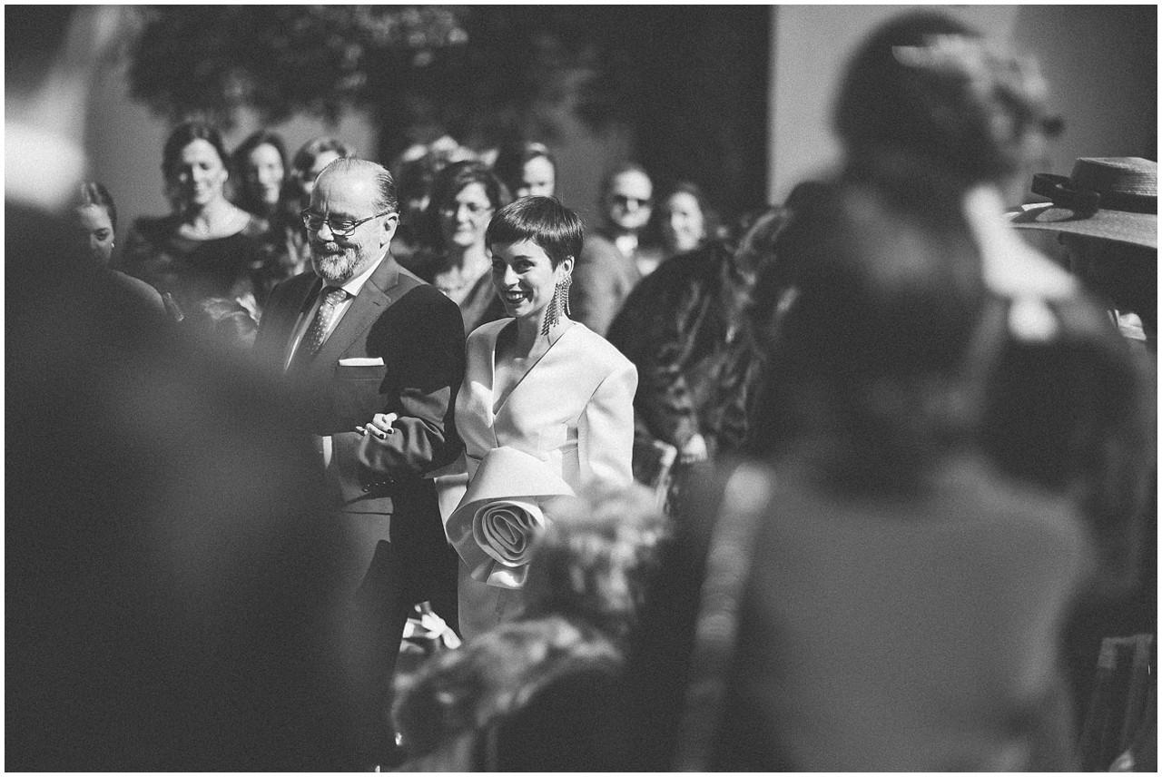llegada al altar de la novia
