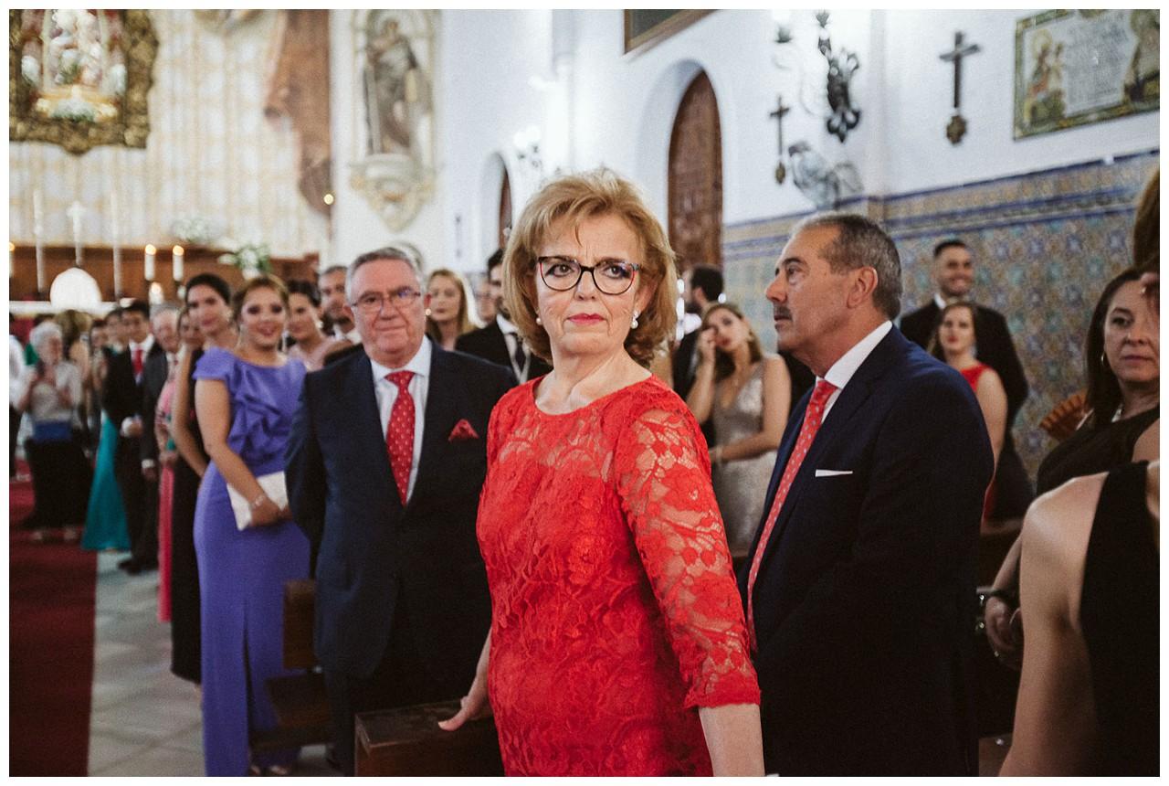 Expectación con la llegada de la novia