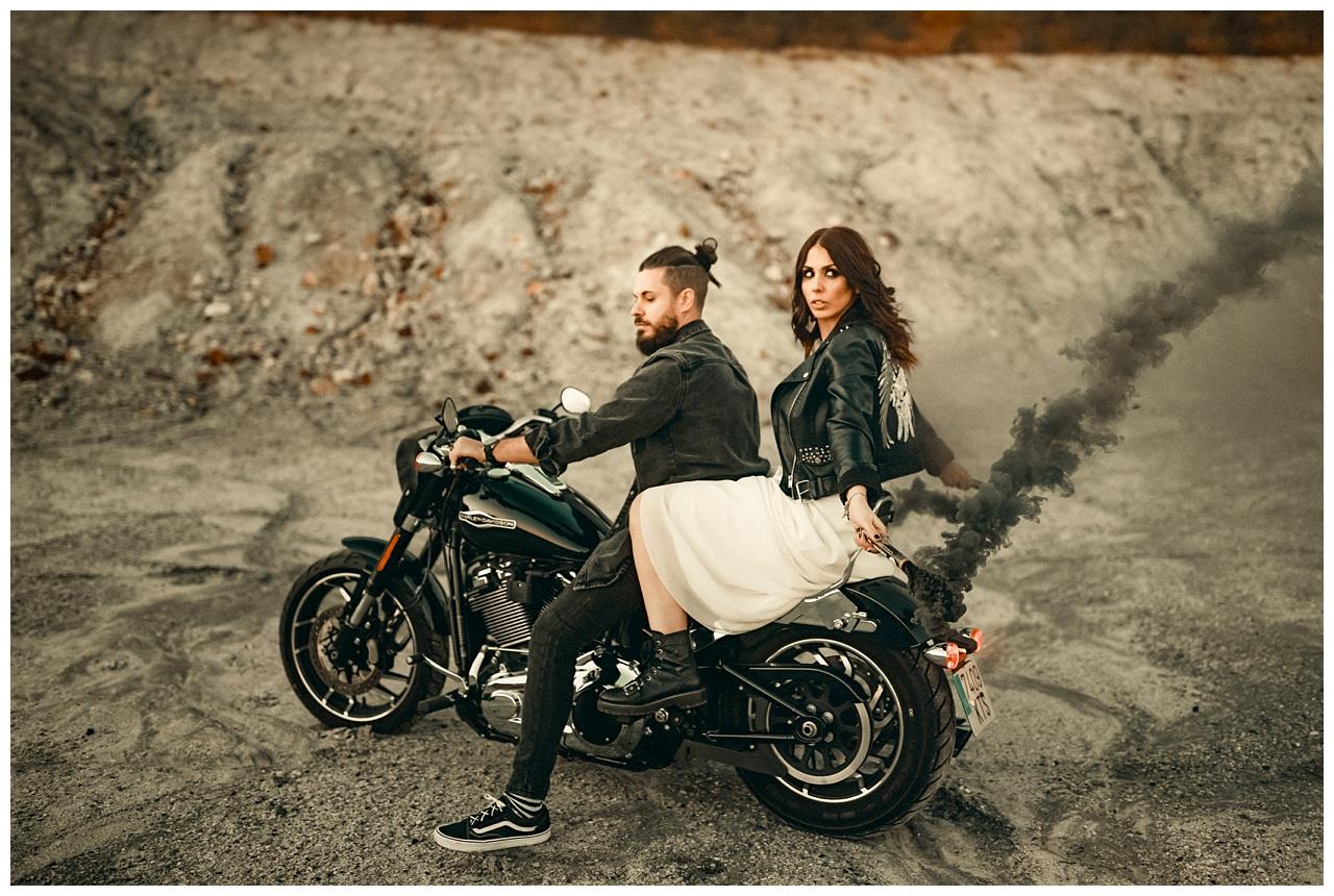 Harley Davidson, fog and couple
